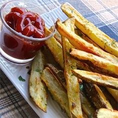 """Oven Baked Garlic and Parmesan Fries 