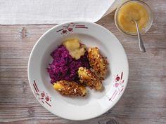 Erdäpfelnockerl mit Nüssen und Rotkraut Kraut, Acai Bowl, Cauliflower, Oatmeal, Grains, Vegetables, Cooking, Breakfast, Food