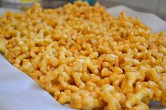easy caramel popcorn!