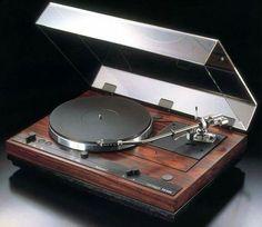 Vintage audio Thorens TD 520 turntable