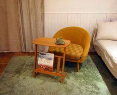 1  ベッドがあってソファが置けない…という方もこれくらいのコンパクトな1人掛けなら大丈夫。 背もたれが広いのでゆったり座れますよ。(通販ブログから)