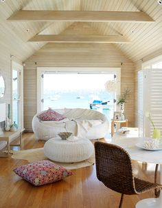 Beach House :: Holiday Home Decor + Design Inspiration :: Beachside Hideaway :: Free Your Wild :: See more Untamed Beach House Inspiration Beautiful Beach Houses, Dream Beach Houses, Living Haus, Home And Living, Style At Home, Home Interior, Interior Design, Living Spaces, Living Room