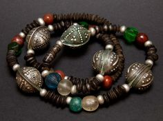 Agrabb Al Fadda & autre collier de perles mauritaniennes
