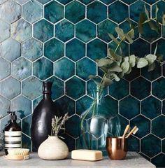 teal Bathroom Decor 41 Ideas For Bathroom Tiles Turquoise Teal Kitchen Tile Diy, Teal Kitchen, Home Decor Kitchen, Kitchen Backsplash, Turquoise Kitchen, Blue Backsplash, Kitchen Reno, Design Kitchen, Teal Bathroom Decor