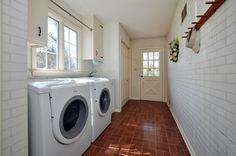 Fabulous laundry room.