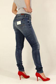 40d4feedf8af0 www.togershop.pl. Toger Shop Outlet - odzież markowa · Spodnie damskie jeans  COMO-TOMMY HILFIGER