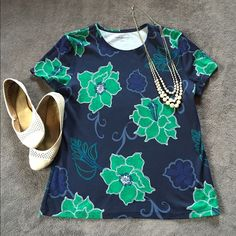 Lovely Croft & Borrow Blouse NWOT Craft and Borrow Navy and Teal blouse. Lightweight and perfect for the day at work where you don't want to spend a long time going through your closet planning an outfit! It's a lovely piece! Croft & Barrow Tops Blouses