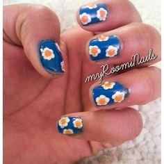 "8 Likes, 1 Comments - Deepti Gautam (@mizzglitter) on Instagram: ""#flOral#nailArt #blue#flower#spring nails #short nails #bright nails"""