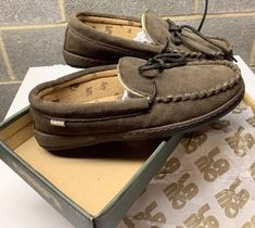 300e4683c079ef Lamo Essential Chocolate Men s Fleece Slippers Moccasin New In Box