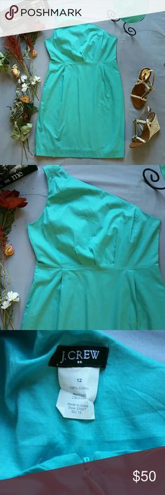 "J. CREW TEAL ONE SHOULDER DRESS NWOT *BRAND NEW.  NEVER WORN NEVER WASHED. IN LIKE NEW CONDITION. NO RETAIL TAGS. *TINY FLAW BY SIDE ZIPPER FROM CONSIGNMENT SHOP TAGS. OTHERWISE FLAWLESS  *MIA SANDALS SOLD SEPARATELY!  BUNDLE & SAVE! *100% COTTON *LINED *MACHINE WASHABLE *SIDE POCKETS  *MEASUREMENTS ARE APPROX & TAKEN LYING FLAT *BUST 36"" *WAIST 33"" *HIP 42"" *SHOULDER TO HEM 36.5"" *PRICE FIRM UNLESS BUNDLED *STORED IN NON-SMOKING PET FREE HOME J. Crew Dresses"