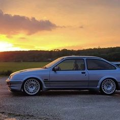 Classic Cars British, Ford Classic Cars, Ford Rs, Car Ford, Ford Sierra, Ford Motor Company, Garages, Dream Cars, Wheels