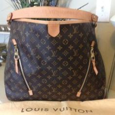 Authentic Louis Vuitton Delightful GM  Authentic! In mint condition. Love this bag! Only selling to purchase new bag. Please only serous offers. Thank you!  Louis Vuitton Bags Shoulder Bags