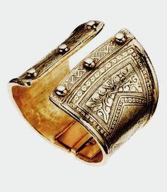 oxidized brass cuff every girl needs accessories for her inner goddess Bijoux Design, Jewelry Design, Jewelry Bracelets, Bangles, Jewellery, Look Boho, Brass Cuff, Diana, Jewelry Accessories