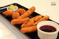 BUÑUELOS DE MAÍZ   Lucero Vilchez Cocina Pretzel Bites, Vinaigrette, My Recipes, Carrots, Sausage, French Toast, Bread, Vegetables, Breakfast