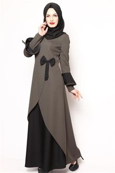 Fiyonklu Tesettür Elbise Haki NB 2437 Muslim Women Fashion, Islamic Fashion, Abaya Fashion, Women's Fashion Dresses, Muslim Gown, Estilo Abaya, Hijab Evening Dress, Hijab Style Dress, Mode Abaya
