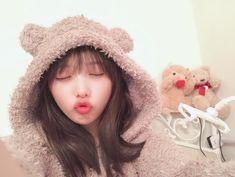 cute JapaneseGirl (Search results for: 与田祐希) Japan Fashion, Kawaii Girl, Sexy Asian Girls, Beauty Women, Winter Hats, Geek Stuff, Crochet Hats, Celebs, Cosplay