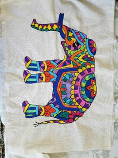 Bordado Hand Embroidery Videos, Hand Embroidery Stitches, Hand Embroidery Designs, Embroidery Patterns, Kutch Work Designs, Rajasthani Art, Indian Arts And Crafts, Chicken Scratch Embroidery, Elephant Art