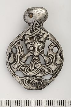 Viking age / Silver pendant,Borre style / Uppland