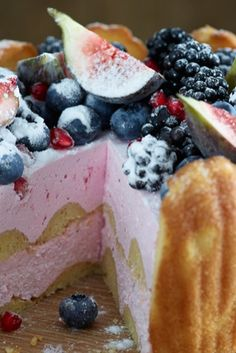 A beautiful Charlotte cake - perfect for dinner parties. Summer Pudding, Charlotte Cake, Best Chef, Dinner Parties, Trifle, Cakes And More, Morning Coffee, Family Meals, Delish