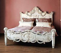 Wunderschönes Bett Mit Aufwendig, Handgeschnitztem Besatz In Barockoptik.  Gefertigt