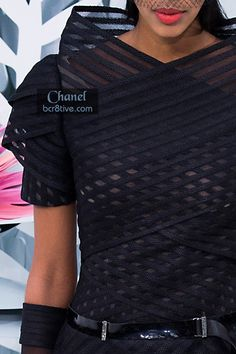 Fascinating Geometric Details & I love the dress but I also can imagine this fabric and pattern as a gorgeous lamp shade - serious. It would be costly but awesome. Note to Karl ツ Couture Details, Fashion Details, Fashion Design, Chanel Couture, Couture Fashion, High Fashion, Fashion Beauty, Womens Fashion, Chanel Spring