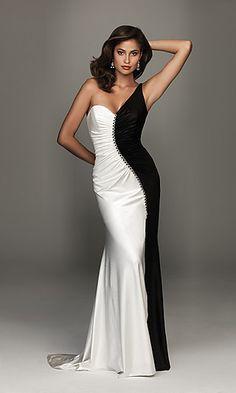 Beautiful black&white dress... Maybe once...