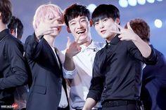 EXO won Daesang at MAMA Hong Kong for Album of the year triple win. EXO-L won, too. Chanyeol Baekhyun, Exo Korean, Exo Ot12, Chanbaek, Xiuchen, Kim Minseok, Exo Members, Kpop Groups, Shinee