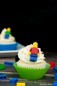 Planning a LEGO Themed Birthday Party? These LEGO…