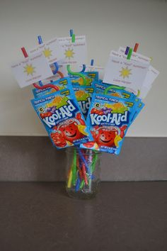 End of the school year party classmate gift: cute, cheap, easy. Great party favor idea as well! School Treats, School Gifts, Student Gifts, Teacher Gifts, End Of School Year, School Fun, School Days, School Stuff, Summer Gifts