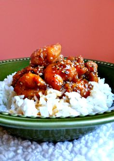 A perfectly sticky, crunchy and healthy honey teriyaki chicken recipe. With only 322 calories, this is a not-so-guilty pleasure that'll become a staple.
