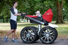 Finally, a MAN'S pram! JUST in time for a right royal stint, Skoda has revealed the king of prams: the RS Mega Man-Pram; a giant baby pram that features in an ad campaign for the new Octavia RS performance models. Baby Kostüm, Baby Kids, Dad Baby, Baby Buggy, Montage Photo, Baby Prams, Baby Carriage, Tecno, Mega Man