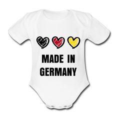 Schwarz, rot, gold und sooooo süß !  Made in Germany steht schon seit langem für Qualität - natürlich sieht man auch sofort dem Träger dieses Babystramplers an, dass hier nur Qualitätsarbeit im Spiel gewesen sein kann