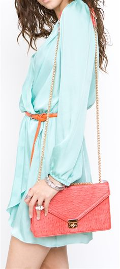 Spring style - light blue dress & coral purse the orange and coral clash; but love the mint, casual yet chic Style Me, Cool Style, Classy Style, Mint Dress, Chiffon Dress, Spring Summer Fashion, Spring Style, Light Blue Dresses, Fashion Outfits