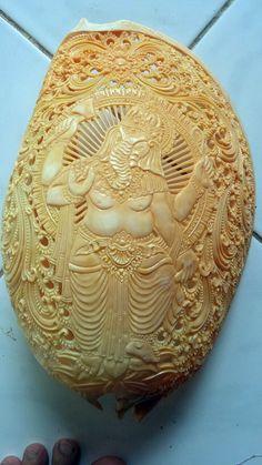 Seashell Craft Hand Carving Ganesha at Large Melo Volute Seashell Art Sculpture #Handmade #Traditional