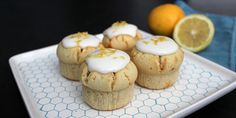 Utroligt svampede citronmuffins med en dejlig frisk og sød smag.