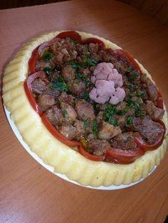 Tarta de mamaliga cu friptura de porc