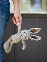 Baby Knitting Patterns Toys Custom Heirloom Knitted Bunny Stuffed by ChloeAlexa Knitted Bunnies, Knitted Animals, Bunny Plush, Knitted Dolls, Crochet Toys, Knitted Stuffed Animals, Baby Knitting Patterns, Crochet Patterns, Knitting Projects