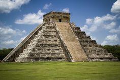 El Castillo (Temple of Kukulkan), Maya Ruins - Chichén Itzá - Yucatán, Mexico > By Alika