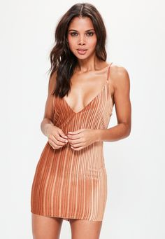 Missguided - Orange Pleated Velvet Strappy Bodycon Dress