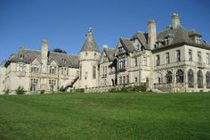 Newport, RI: Carey Mansion (used for Dark Shadows) Mega Mansions, Old Mansions, Mansions Homes, Abandoned Mansions, Abandoned Houses, Newport Ri Mansions, Amazing Architecture, Architecture Design, Classical Architecture
