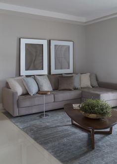 Decoração de: sofá cinza;  Casa de Valentina