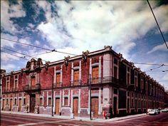 Museo de la Ciudad de México. Alberga un recorrido desde la creacion de Tenochtitlan hasta la fecha actual.