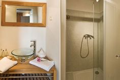 Haven in Paris : Provence Luxury Vacation Villa & Holiday Rental: Isle Sur La Sorgue, Isle Sur La Sorgue Apartment Rental