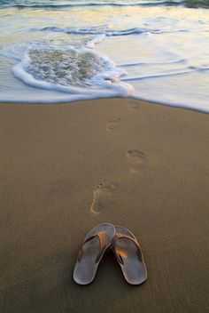 28 Curious Images of Feet
