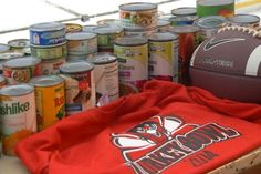 Traditional Thanksgiving Football Game Benefits Food Pantry - Northern Michigan's News Leader