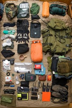 World Camping. Tips, Tricks, And Techniques For The Best Camping Experience. Camping is a great way to bond with family and friends. Survival Items, Survival Equipment, Camping Equipment, Survival Gear, Survival Skills, Survival Prepping, Bushcraft Kit, Bushcraft Camping, Camping Survival