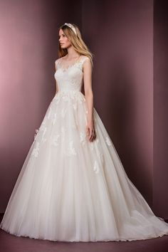 Ellis - Lace over tulle ball gown - 11477