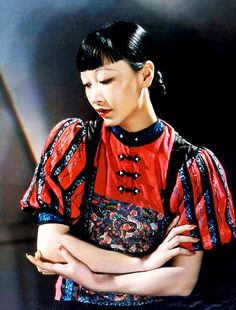Anna May Wong (January 1905 – February was the first Chinese American movie and the first Asian American actress to gain international Her long and varied career spanned both silent and sound film, television, stage and radio. Vintage Hollywood, Classic Hollywood, Hollywood Stars, Hollywood Glamour, Santa Monica, Hollywood Actresses, Actors & Actresses, Hollywood Celebrities, Divas