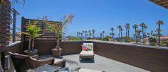 Contemporary Condo-Flat Style in Ocean Beach