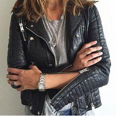 Pin for Later: Gelangweilt von euer Lederjacke? 18 verschiedene Möglichkeiten sie zu stylen Mit passendem Silberschmuck zu den Reisverschlüssen